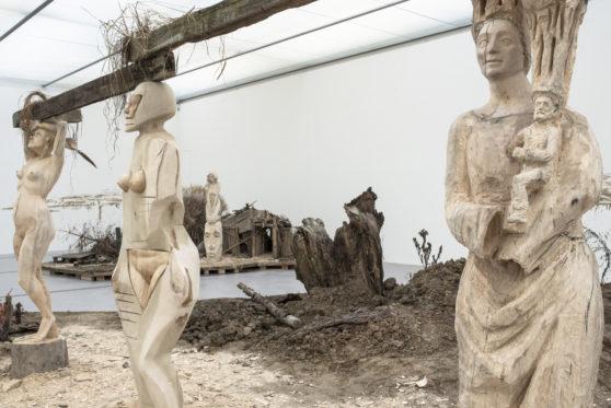 Ausstellungsansicht 'Cosmic Order' Pawel Althamer, LENTOS Kunstmuseum Linz, 2020  Foto: maschekS.