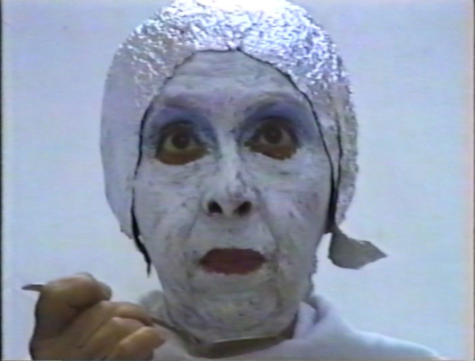 Geta Brătescu, Earthcake ,1992, VHS Videostill
