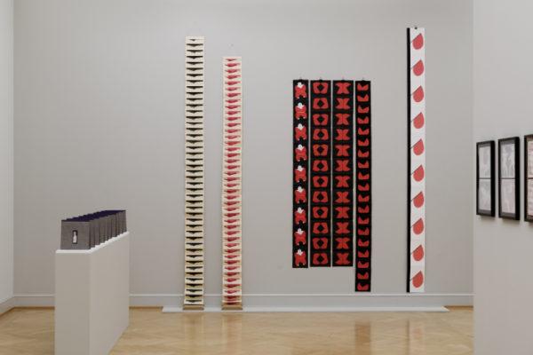 Geta Bratescu, Installationsansicht, Kunstmuseum St Gallen, Photo Sebastian Stadler