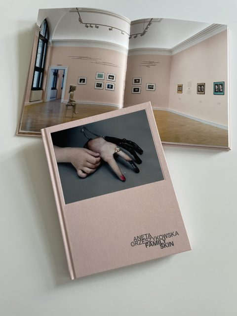Family Skin – Exhibition Catalogue, Aneta Grzeszykowska, Francisco Carolinum, Linz, 2021