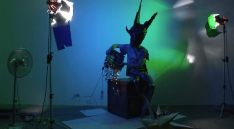 Hortensia Mi Kafchin, Personal Hawking, 2011, Videostill